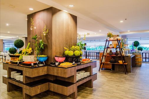 诺富特华欣七岩海滩度假酒店 - 华欣 - 自助餐