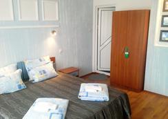 海蓝宝石酒店 - 索佐波尔 - 睡房