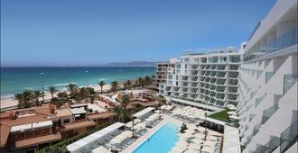 伊贝罗斯塔精选棕榈海滩酒店 - 马略卡岛帕尔马 - 建筑