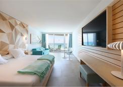 帕尔马海滩伊波罗之星酒店&度假村 - 马略卡岛帕尔马 - 睡房