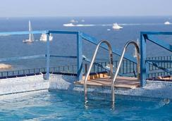 堂吉诃德酒店 - 伊维萨镇 - 游泳池