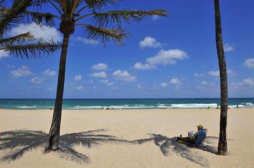 蓝色海洋庭院酒店 - 滨海劳德代尔 - 海滩