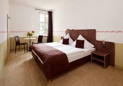 柏林三只小猪酒店 - 柏林 - 睡房