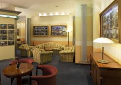 库弗斯登达姆好莱坞媒体酒店 - 柏林 - 大厅
