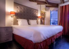 艾菲尔塞古尔酒店 - 巴黎 - 睡房