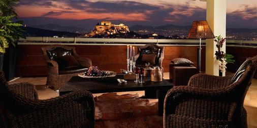 迪瓦尼卡拉维尔酒店 - 雅典 - 阳台