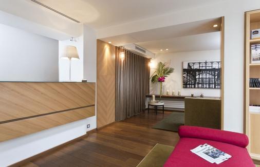 贝斯特韦斯特柯林斯酒店 - 巴黎 - 柜台
