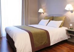 莫里斯格兰德大道酒店 - 巴黎 - 睡房