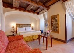 圣弗朗西斯科埃尔蒙特酒店 - 那不勒斯 - 睡房