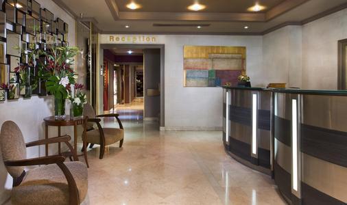 乐佩拉酒店 - 巴黎 - 柜台