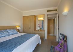 圣以利亚度假村 - 普罗塔拉斯 - 睡房
