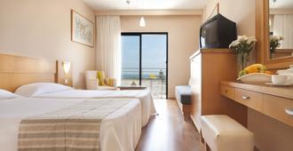 刘易斯法厄同海滩酒店 - 式 - 帕福斯