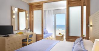 路易斯莱德拉海滩酒店 - 帕福斯