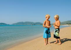 刘易斯桑特海滩酒店 - 式 - 拉加纳斯 - 海滩