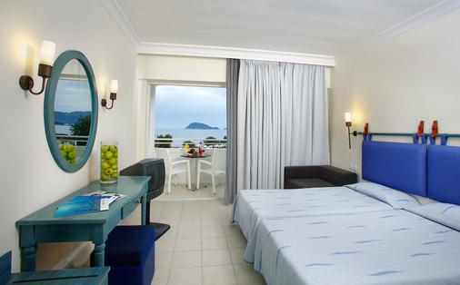 刘易斯桑特海滩酒店 - 式 - 拉加纳斯 - 睡房