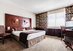 里昂罗斯福酒店 - 里昂 - 睡房