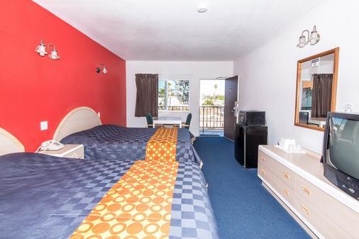 洛杉矶海石酒店 - 洛杉矶 - 睡房