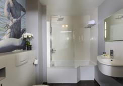 凡尔赛酒店 - 凡尔赛 - 浴室