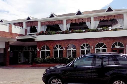 乡村酒店 - 欧丘里欧 - 建筑
