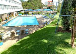 Sentrim Boulevard Hotel - 内罗毕 - 游泳池