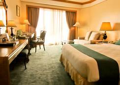 世纪公园酒店 - 马尼拉 - 睡房