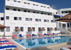 Dolce Bodrum Hotel And Beach Club - Adults Only - 博德鲁姆 - 建筑