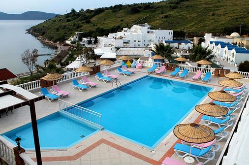 杜博德鲁姆酒店 - 仅限成人 - 博德鲁姆 - 游泳池
