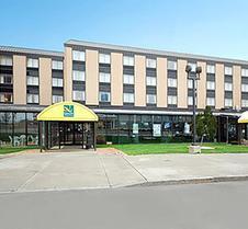 瀑布品质套房酒店