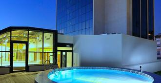 阿巴格拉纳达酒店 - 格拉纳达 - 游泳池