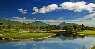 斯普林菲尔德乡村高尔夫Spa酒店 - 查安 - 高尔夫球场