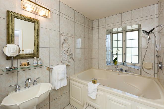 布拉斯酒店&餐厅 - 索尔万 - 浴室