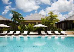 岛屿之家酒店 - 拿骚 - 游泳池
