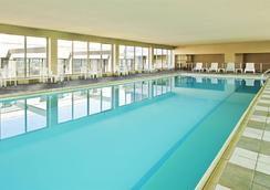 圣路易斯市中心红狮酒店 - 圣路易斯 - 游泳池