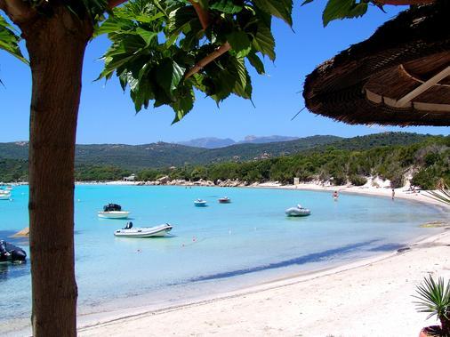 阿利维圣朱利亚酒店 - 维琪奥港 - 海滩