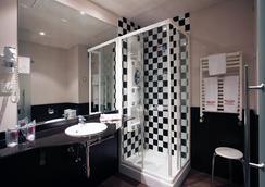 珀蒂宫马德里机场高科技酒店 - 马德里 - 浴室