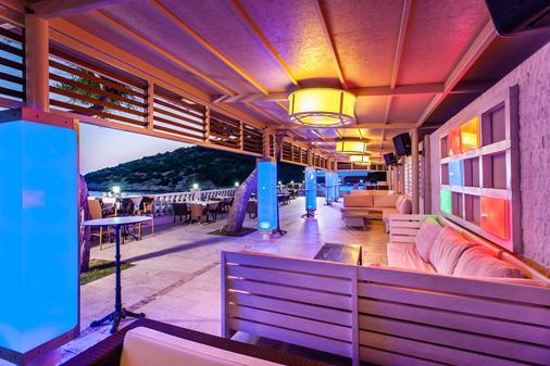 图尚海滩度假酒店 - Kusadasi - 休息厅