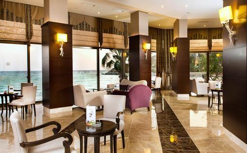 图尚海滩度假酒店 - Kusadasi - 大厅