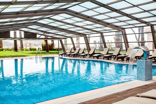 图尚海滩度假酒店 - Kusadasi - 游泳池