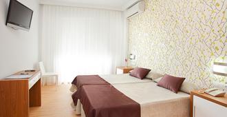 RH里维埃拉酒店 - 仅限成人 - 甘迪亚 - 睡房