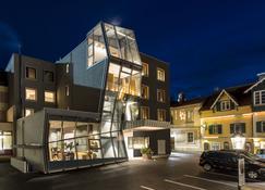 布鲁纳城市酒店 - 斯拉德明 - 建筑