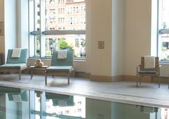 波士顿洲际酒店 - 波士顿 - 游泳池