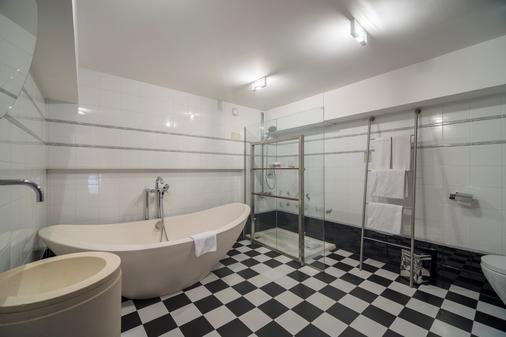 卡斯特拉纳珀蒂宫总统酒店 - 马德里 - 浴室