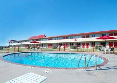 美洲最佳值旅馆 - Oklahoma City - 游泳池