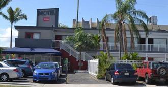 韦西斯比斯坎汽车旅馆 - 迈阿密 - 建筑