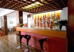 Hotel Plaza - 格拉多 - 酒吧