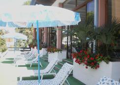 Hotel Plaza - 格拉多 - 户外景观