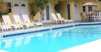 星尘酒店 - 棕榈泉 - 游泳池
