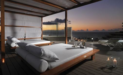 H10征服者酒店 - 美洲海滩 - 阳台