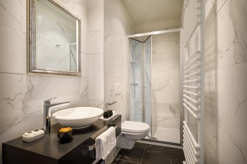 因佩里亚尔雷米森斯优品传统酒店 - 奥帕提亚 - 浴室