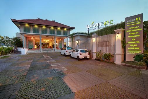 雷诺特尔豪宅C精品酒店及水疗中心 - North Kuta - 建筑